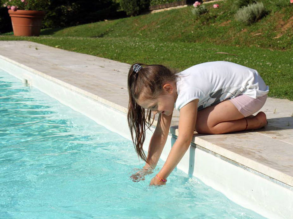 piscina-attenzione